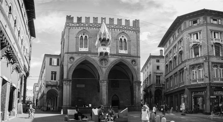 Palazzo della Mercanzia 1024